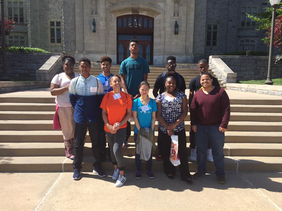A group of students outside Virginia Tech on a college tour.